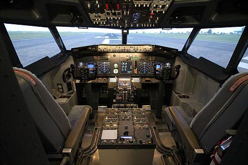 aircraft simulation cockpit
